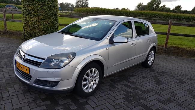 Opel Astra 1.8 Elegance van 2004